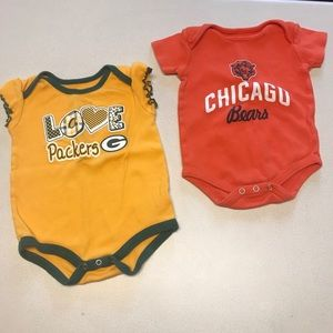 Set of 2 NFL Packers & Bears Onesies-6-12 months